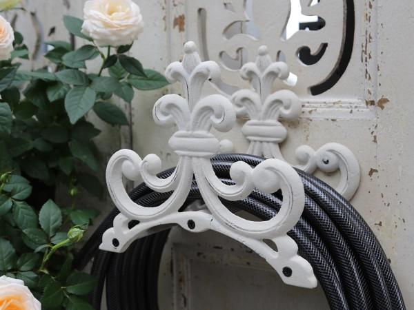 Stilvoller Halter für den Gartenschlauch