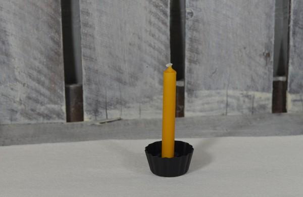 Mini-Kerzenhalter in Form eines geriffelter Backförmchens
